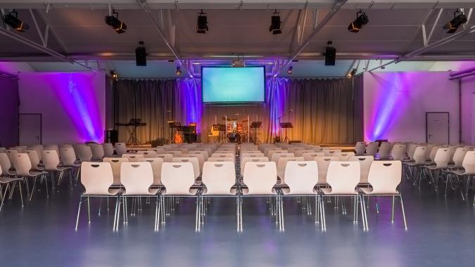 The Roof im Aathal mit der imposanten Eventhalle und diversen Seminarräumen ist die ideale Eventlocation für Ihren Anlass in der Region Uster / Wetzikon